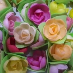 'Розы на трилистнике микс' вафельное украшение 5шт